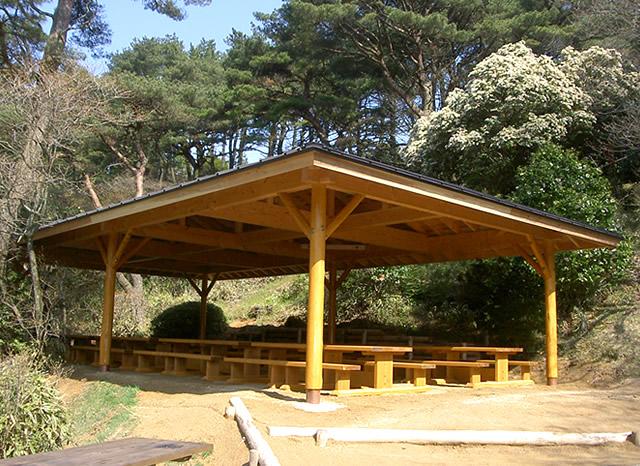 公園施設関連の木工事